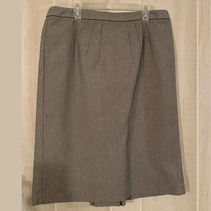 GRACE ELEMENTS GRAY STRIPED SKIRT SIZE 8